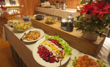 Pitopöytä Dinner from buffet
